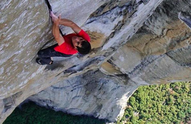Alex Honnold klettert Freerider free solo - El Capitan