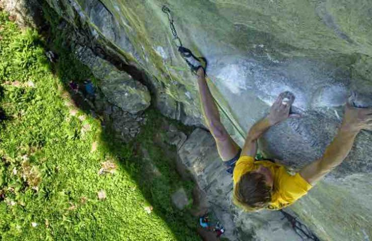 Alexander Megos klettert Companion of Change im Zillertal
