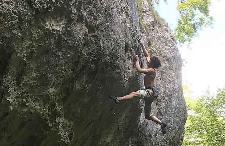 Alexander Rohr climbs Fred Nicole route in the Basel Jura