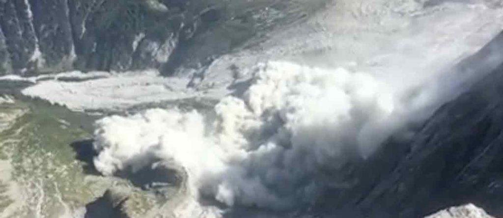 Massive rockfall and debris flow in Bondo - Bergell