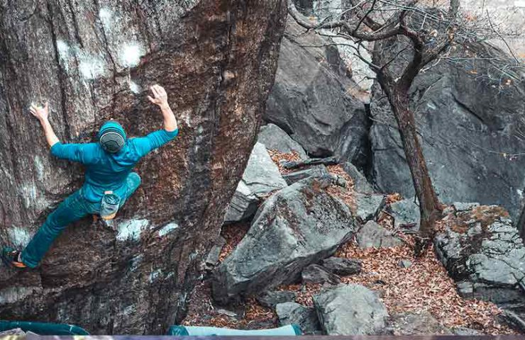 The new Bouldering Guide for Chironico is here