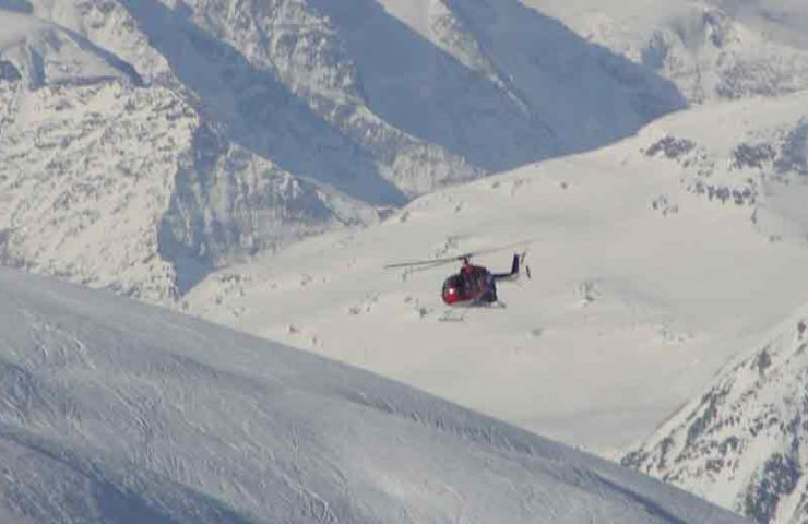 Gibt es bald weniger Heliflüge in den Alpen?