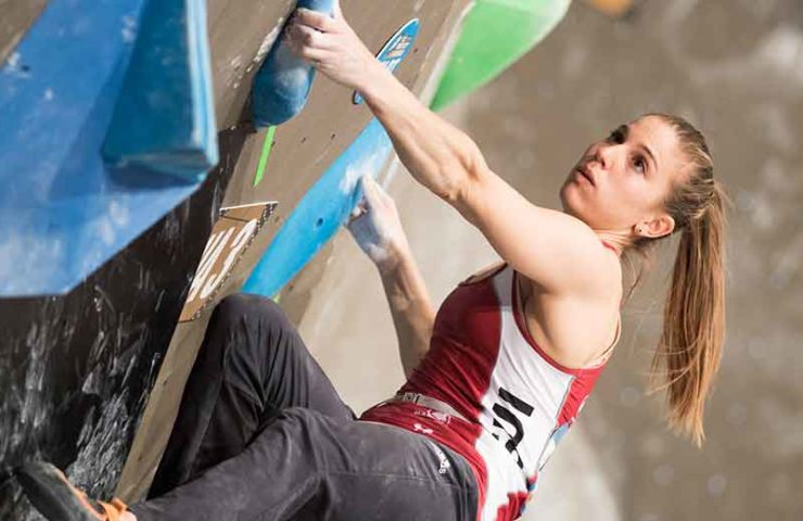 Jernej Kruder und Miho Nonaka gewinnen den ersten Boulderweltcup der Saison in Meiringen