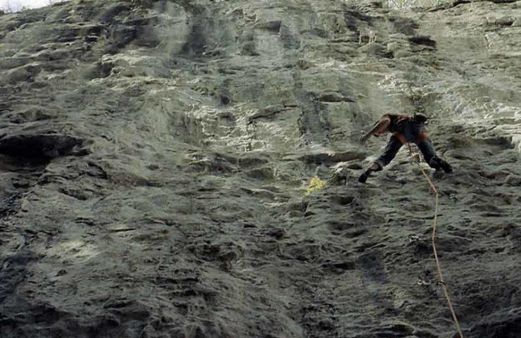 Matthias König abre con Finite Infinity el primer 9a en el área de escalada de Berna Lehn