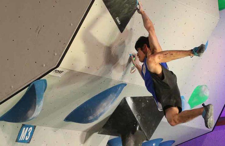 Con el bloque y el swing hacia más tensión en los dedos y el cuerpo.