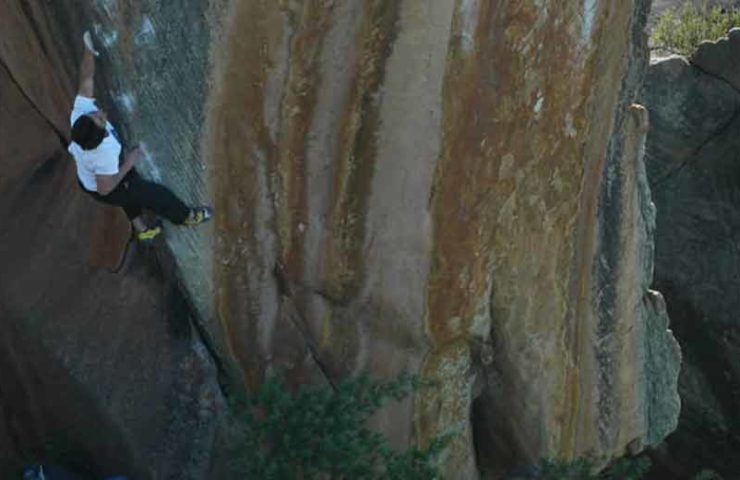 20-year-old Shawn Raboutou boulders The Finnish Line (8c / +)