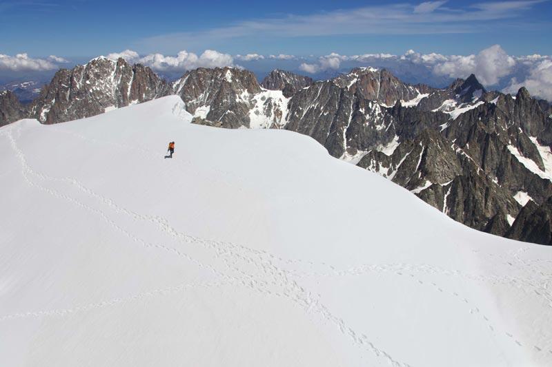 Dani Arnold tiene el récord en dos de las tres caras principales del norte de los Alpes