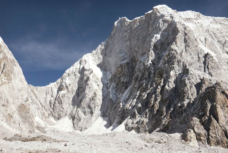 El imponente Lunag Ri en el Himalaya (imagen Red Bull Content Pool).
