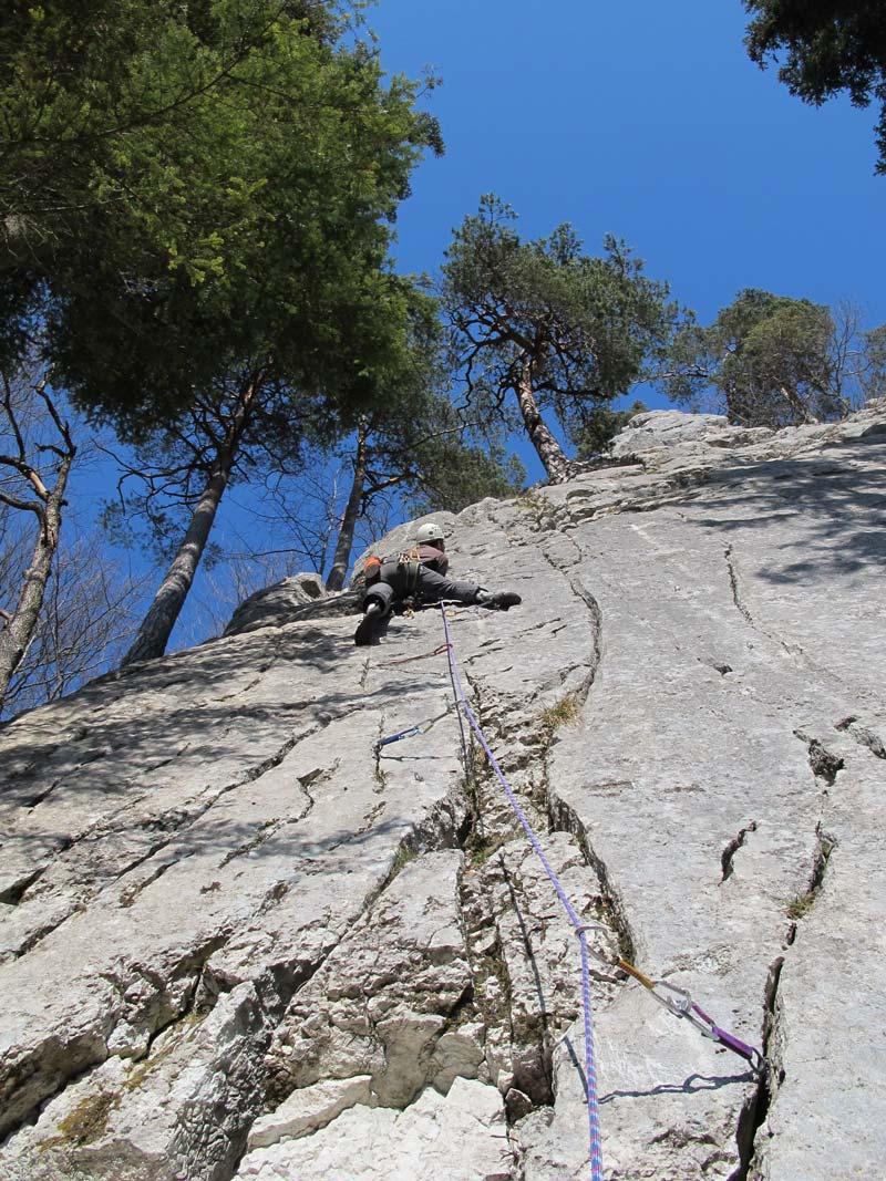 Almost all routes can be secured here - Bonnes Fontaines, Jura (picture Michael Kropac).
