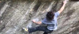 Der Amerikaner Shawn Raboutou klettert den ersten 8c+ Boulder der Schweiz: Off the Wagon low