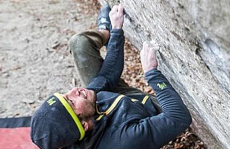 Alexander Rohr climbs the two 8b boulders Merlin et la Bête and Bloc à Robi SD in one day