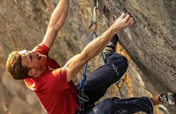 Jakob Schubert manages the first repetition of the Sharma route El Bon Combat (9b / +)