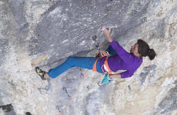 No Country for Old Bolts: una película de escalada protagonizada por Cédric Lachat y Nina Caprez sobre Rocher Crespin