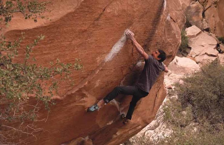 In January, Kevin Takahashi scored his first 8c boulder with The Nest. In December 2018 he returned to the Red Rocks and climbs Kintsugi (8c).