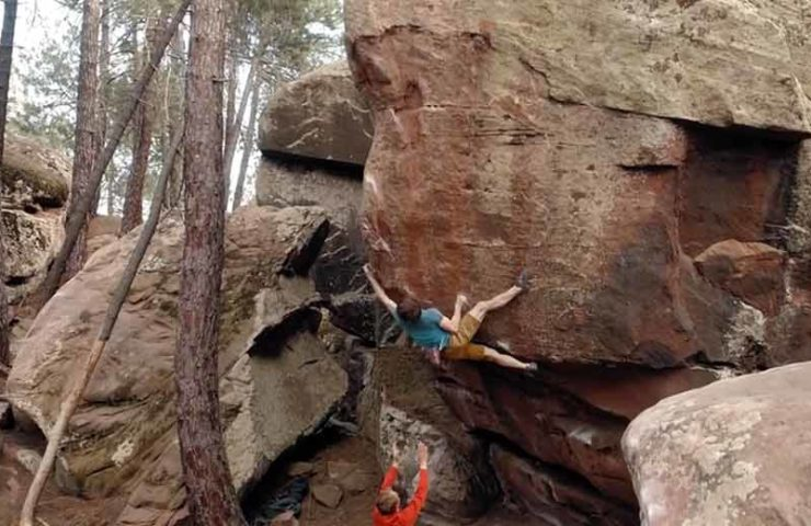 Video: Nils Favre klettert Highball Zartako in Albarracin