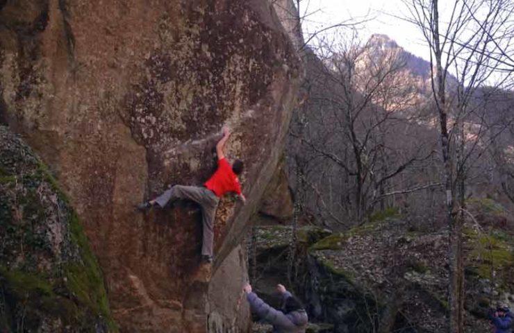 Video der Erstbegehungen Red Feather (8a+) und Tomba (8b+) im Val Bavona