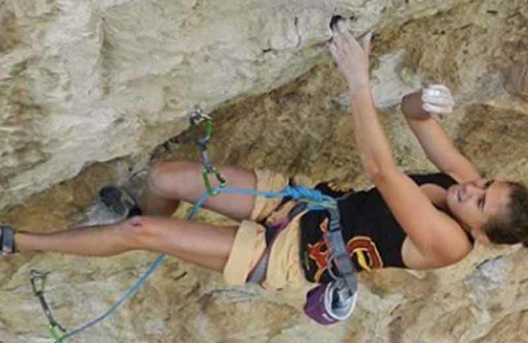 Laura Rogora, de 18 años, maneja el primer ascenso de Réveille-toi (9a)