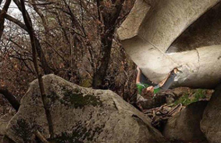 Fabian Buhl holt sich die dritte Begehung des Boulders Iur in Cresciano