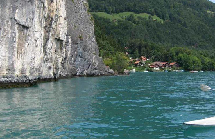 Deep Water Soloing am Thunersee im Berner Oberland