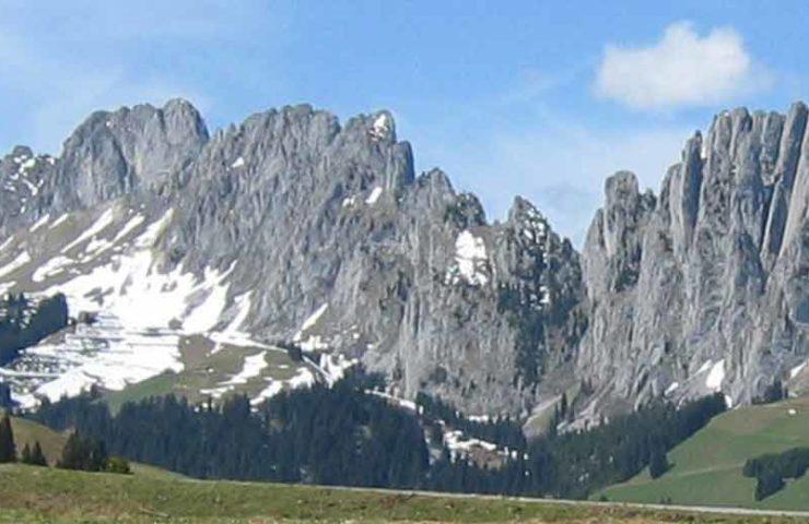 Caída de rocas en la zona de escalada de Friburgo Gastlosen
