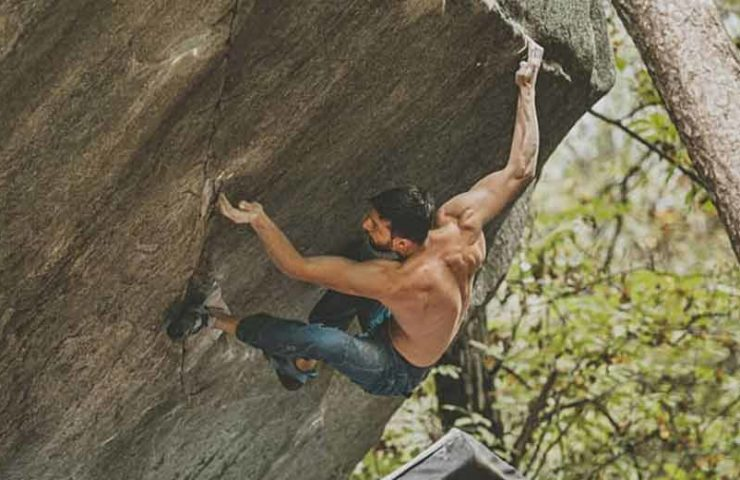 Jernej Kruder klettert Dreamtime (8c) in Cresciano