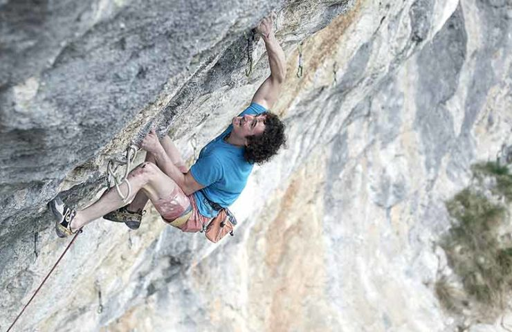 Adam Ondra im Klettergebiet Gimmelwald_Bild Pvael Blazek