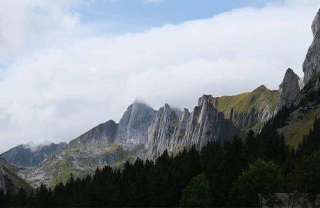 Grundregeln für den Bergsport in Zeiten der Corona-Pandemie