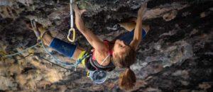Laura Rogora klettert als zweite Frau 9b: Ali Hulk Extension Total Sit Start