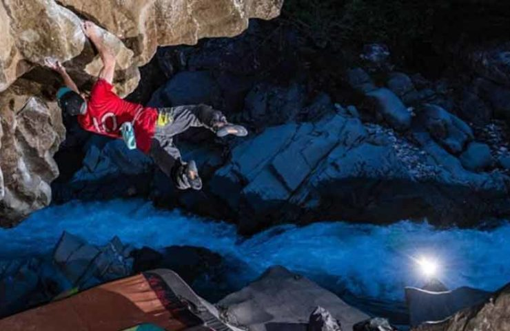 Giani Clement abre estilo ante el talento (8c / +) en Magic Wood
