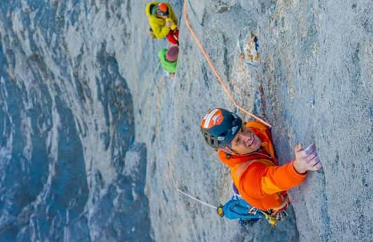 Roger Schäli climbs the Merci la Vie route on the Eiger rotpunkt