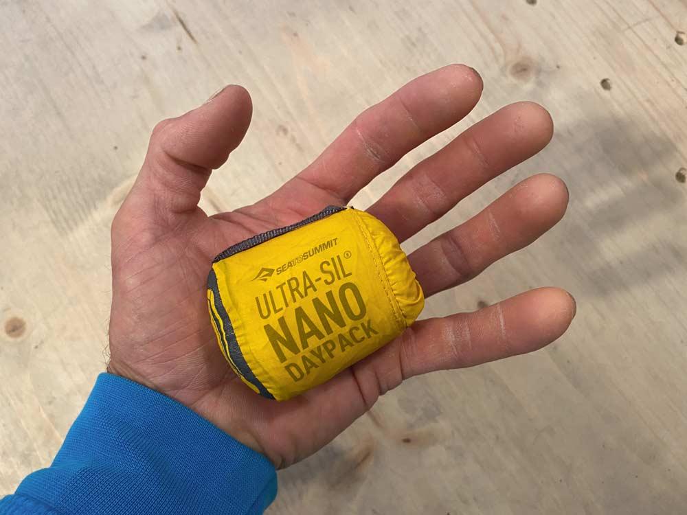 Kleiner geht fast nicht. Der Ultra-Sil Nano Daypack von Sea to Summit