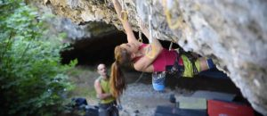 Video: Laura Rogora klettert Ali Hulk Extension Total Sit Start (9b)