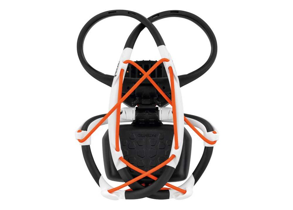 No, esto no es un dron. El IKO Core se puede plegar para transportarlo.
