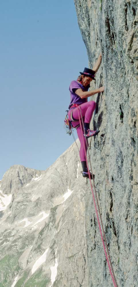 Darshano L. Rieser in the Marmolada first ascent, Steps across the border. (Photo Ingo Knapp)