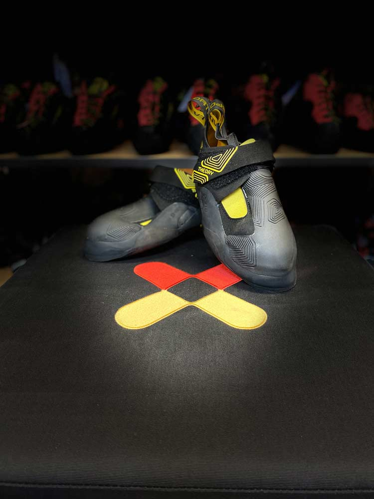 The La Sportiva Theory: A miracle weapon for indoor climbing and bouldering.
