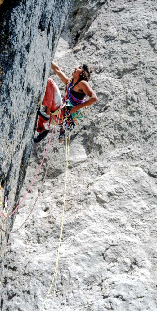 "Ingo Knapp, who played a key role in the first ascent of ""Steps across the border / Senkrecht ins Tao"", on the lower key pitch of the bolt-free XNUMX-man route in the Marmolada south face (Photo: Darshano L. Rieser)"