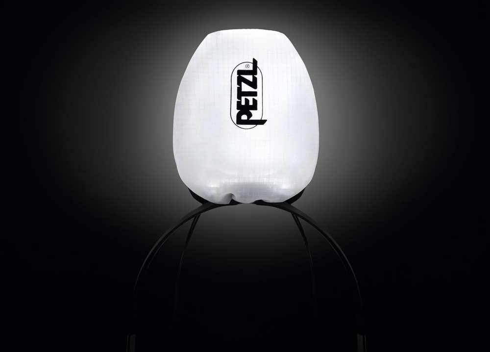 Buen truco: la bolsa suministrada transforma el IKO Core en una linterna.