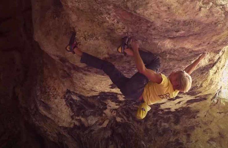 Alex Megos flasht 8b-Boulder Kalokagathia