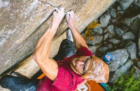 Bernd Zangerl opens Boulder Grenzenlos in the Valle Dell'Orco