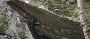 Österreicher Nicolai Uznik wiederholt 8c-Boulder Bügeleisen sit