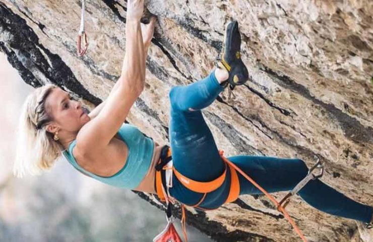 Video--Julia-Chanourdie-bei-der-Begehung-der-9b-Route-Eagle-4