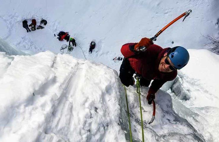 Escalada en hielo: qué tener en cuenta al comenzar y consejos de profesionales