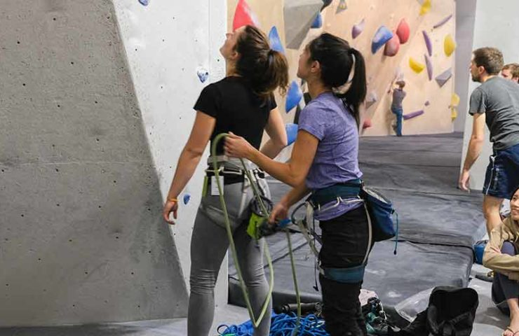 Climbing hall culture Switzerland vs. Canada: which way is safer?
