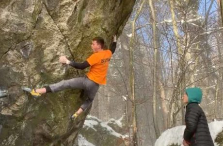 Nicolai Uznik is bouldering again 8c: Witchcraft first climbed