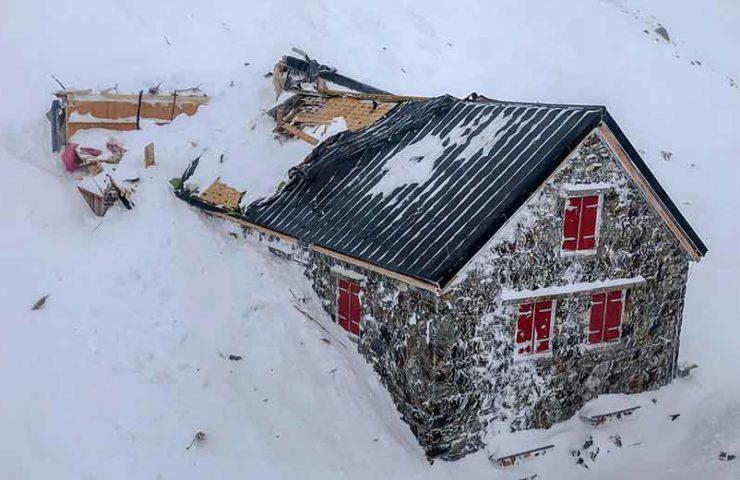 Trifthütte von Lawine beschädigt - kein Winterraum mehr