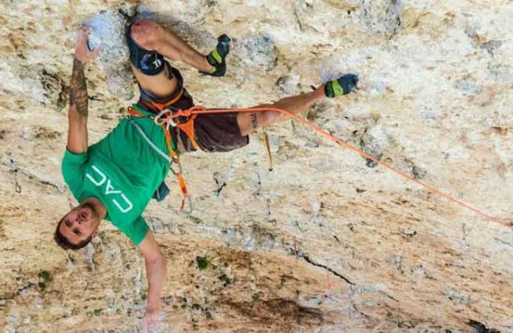 Do Kneepads change the level of difficulty when climbing? That's what the pros say