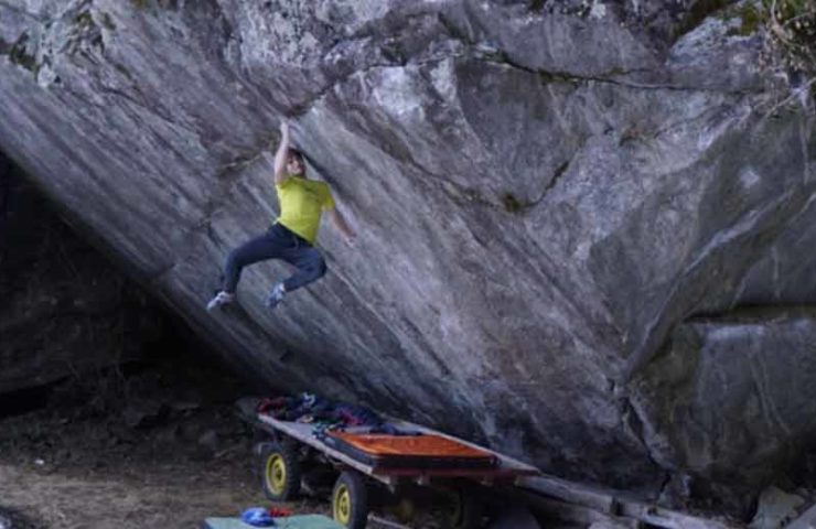 Nils Favre klettert Traumlinie Off the Wagon (8b+)