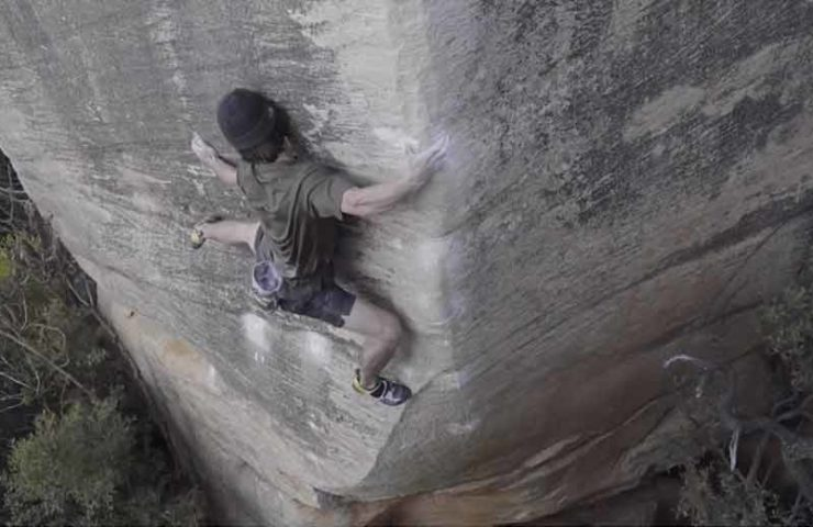 Shawn Raboutou boulders Livin 'Large (8c / 8c +)