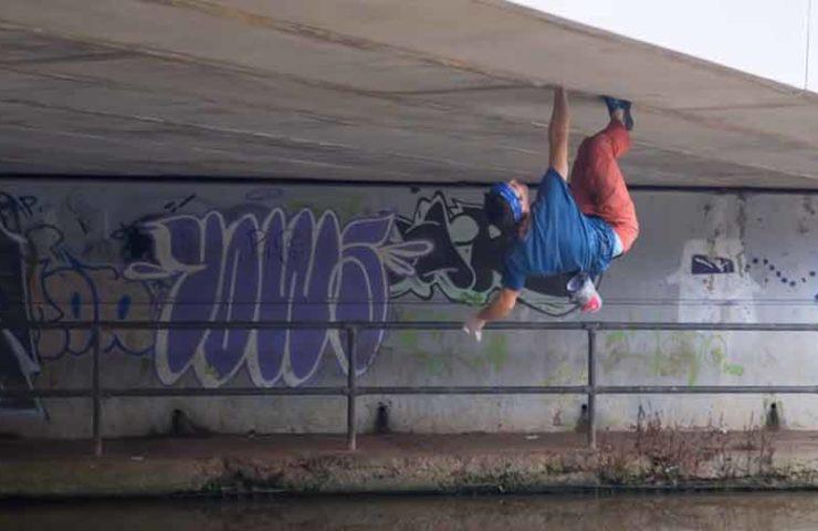 Tom Randall: Longest artificial crack roof climbed