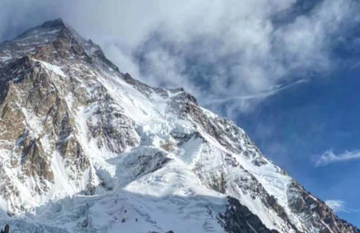 Update K2: Drei Alpinisten vermisst, ein Alpinist tödlich verunglückt